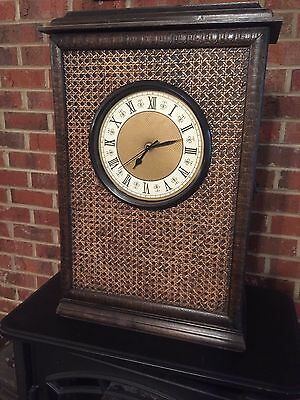LARGE VINTAGE STYLE WOODEN CABINET CLOCK Roman Numerals Time Minute Hour Home