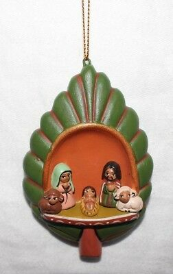 Peruvian Handmade Ceramic Folk Art Scene Nativity Leaf Figurine Ornament New