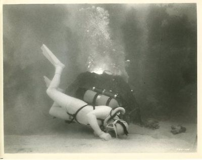 Around The World Under The Sea - Vintage  Photo With Snype #4