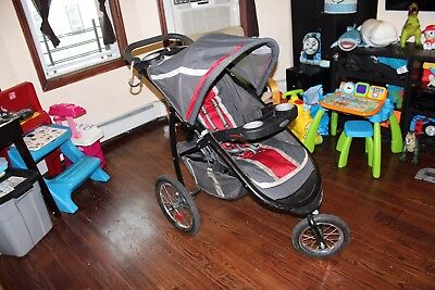 Graco FastAction Fold Jogger Click Connect Travel System Jogging Stroller