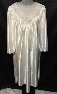 Vintage Elana Sissy Cream Ivory Full Soft Nightie Nightgown Lace Lingerie Small