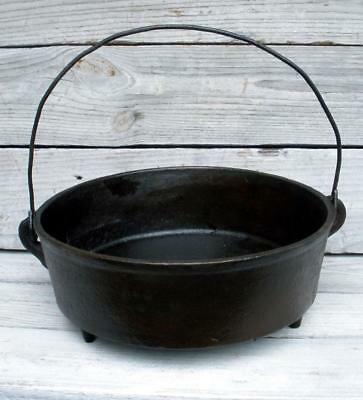 Vintage Antique Cast Iron Chuck Wagon Footed Camp Fire Pan with Handle Gate Mark