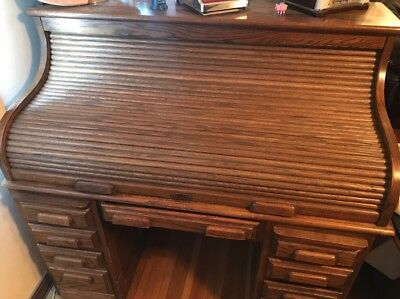 Large Roll Top  Desk In  Excellent  Condition