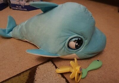 Blu Blu Interactive Baby Dolphin With Soother And Fish In