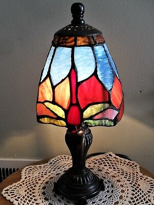 Tiffany Style Stained Glass Dragonfly Accent Lamp Light ~ Very Pretty...NEW!