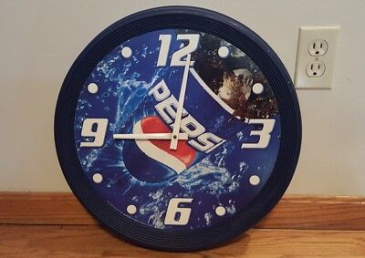 "Vintage PEPSI-COLA Round Wall clock Plastic 18"" Pepsi Advertising - Not Working"