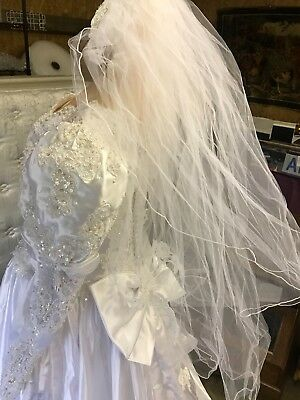 Vintage 80's White Wedding Dress Gown Size 14 With Veil