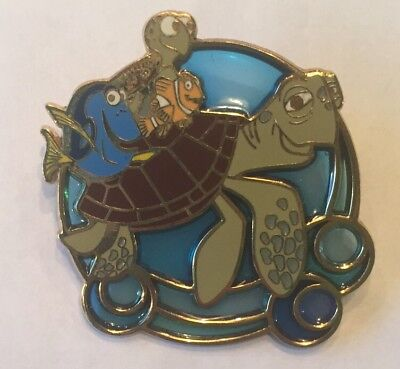 Disney WDW Finding Nemo Dory Crush Squirt Turtle Ride Stained Glass 2004 Pin
