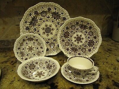 """Mason's Ironstone China """"Bow Bells"""" Six Settings of Six Pieces. 36 pieces total"""