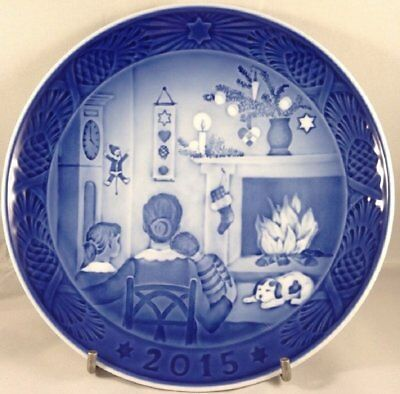 Royal Copenhagen 1901115 Christmas Plate 2015