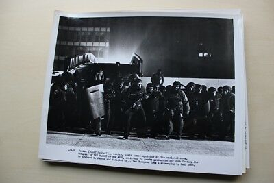 Conquest Of The Planet Of The Apes - Vintage  Photo #3