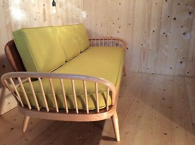 Stunning Fully Refurbished Ercol Studio Daybed Sofa