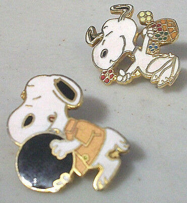 SNOOPY PIN LOT (2x) PEANUTS COLLECTOR BOWLING & FLOWER PICKING BASKET VTG AVIVA