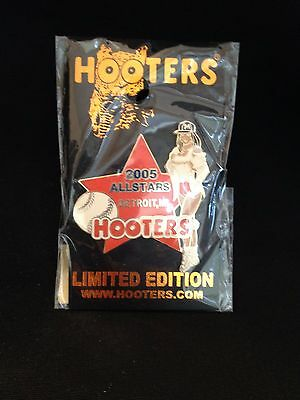 2005 All Star Game Hooters Pin Detroit Tigers Comerica Park Michigan