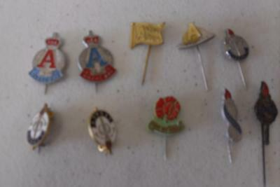 10 X Anzac Day Legacy Pins Badges