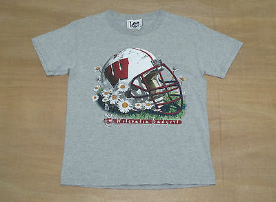 Wisconsin Badgers - Youth M / Womens 6 - Vtg 90's Lee NCAA Football T-Shirt