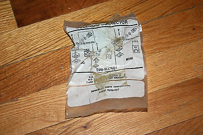 Automatic Valve Corporation Sub-Micro Mini Solenoid Connector 7039-001 New