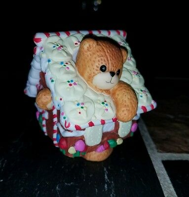 Enesco Lucy & Me Bear Dressed As Gingerbread House