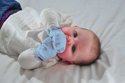 (Blue) - Gummee Glove Anti-scratch Teething Mittens Blue (Blue). Free Delivery