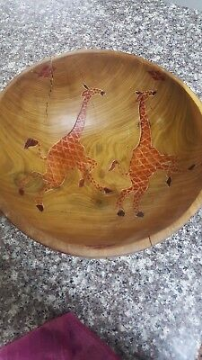 A bowl of wood cut from art. Very Rare Graphic hand made hand crafts unique wood