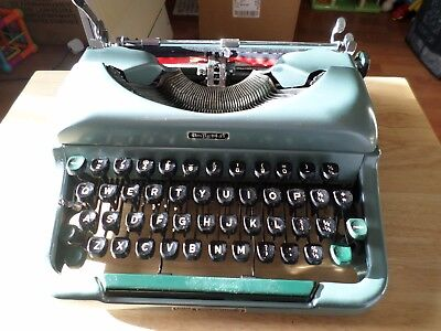 Vintage imperial good companion  no 4  manual portable Typewriter with case