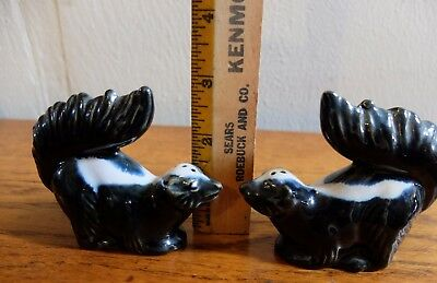 Vintage Rosemeade Friendly Raised Tail Skunks Salt Pepper Shakers 3 Inches Tall