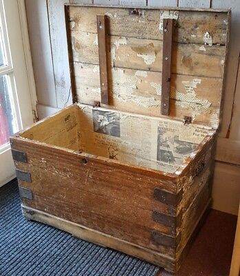 Antique VINTAGE Pine Shabby Chic Rustic Chest Trunk Blanket Toy Box Ottoman Seat