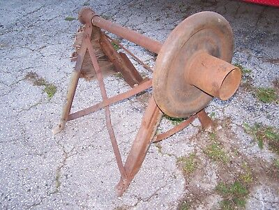 Old AERMOTOR Windmill Buck Saw Arbor Hit Miss Gas Engine Steam Tractor Magneto