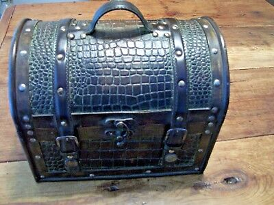 """TRUNK- Small 11"""" x 9"""" -Wood & Artifical leather w Brads Hump Lid -Home Decor Old"""