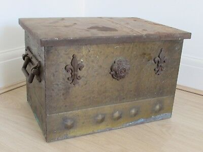 Antique Vintage Metal Coal Box Fleur De Lys Tudor Rose Iron Copper Logs Patina