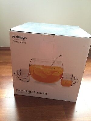 (Brand new) 8 pieces glass punch set - 6 glasses and 1 ladle and 1 big bowl.