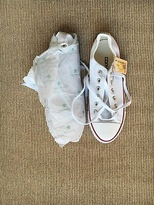 Womens Converse All Star Chuck Taylor canvas shoes low top size 6.5 (37) White