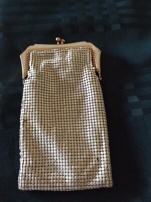 Vintage White Glo Mesh Glass Case