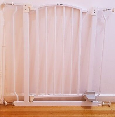 Baby Safety Gate - Hands-Free Safety Gate by The First Years