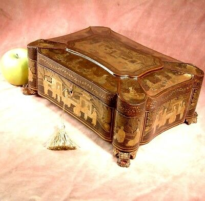 ANTIQUE c1860 QING CHINESE LACQUER SEWING BOX GOLD GILT fine wood casket