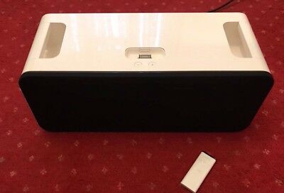 Apple IPod Hifi Dock Speaker - A1121 - Genuine - Fully Working With Remote - VGC