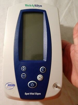 Welch Allyn 420 Spot Vital Signs Monitor 42NTB SpO2, Temp, NIBP with Accessories