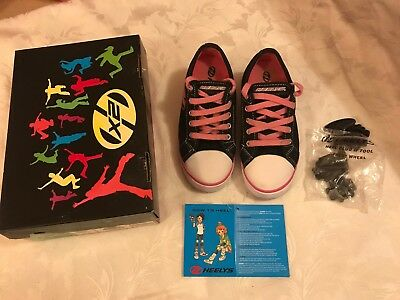 Heelys Jazzy X2 Girls Pink & Black Size 2 in Excellent Condition with Box