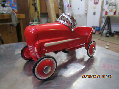 Hallmark Kiddie Car Classics 1940 GENDRON Red Hot Roadster  Pedal Car in Box