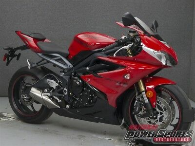 Triumph DAYTONA 675 W/ABS  2015 TRIUMPH DAYTONA 675 W/ABS Used FREE SHIPPING OVER $5000