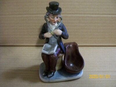 OLD MAN WITH BOOK SITTING Figurine Pipe Holder - Japan