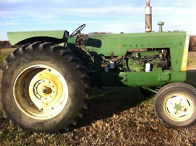 1800 SERIES a OLIVER TRACTOR