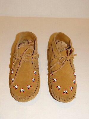Minnetonka Moccasins Youth 12 Leather Made in USA Lace up Flats Beaded Tan