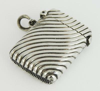Beautiful RIBBED STERLING SILVER VICTORIAN VESTA CASE 1897