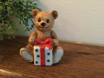 Vintage Homco Figurine Teddy Bear With Gift  #5505 Christmas Holidays