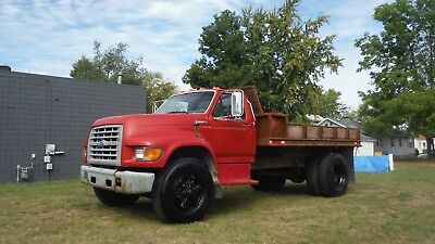 '97 Ford F700 Flatbed Dump Truck 8 Cyl gas engine 1 owner ready to work