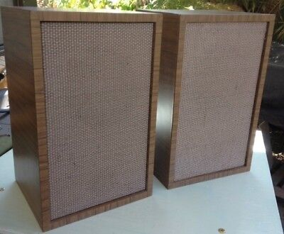 Two Onkyo CX-20D Speakers in solid home-made boxes - 2 boxes