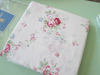 "Tiddliwinks-Cottage Panel--84""L x 43""W--White Floral-100% cotton-Msrp $39.99-New"