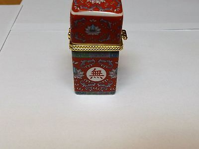 Porcelain Box With Gold Trim Around Lid