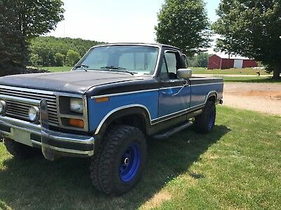 1983 Ford F-250  FORD F 250 4x4 460 engine 4 speed